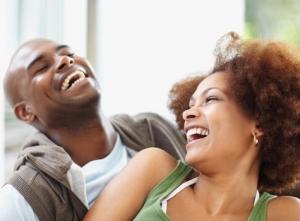 couple_laughing_joking_humor_relationships