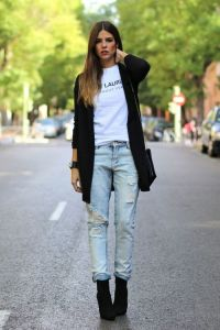 open-cardigan-crew-neck-t-shirt-boyfriend-jeans-ankle-boots-crossbody-bag-original-1938
