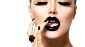 Pretty-Woman-With-Black-Lipstick