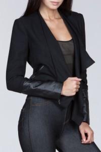 10-22-15-05-50-03_boss+lady+draped+open+jacket