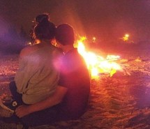 bonfire-couple-summer-Favim.com-2010731