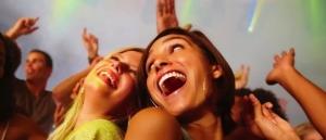 WomenPartyingAtAClub900-850x400